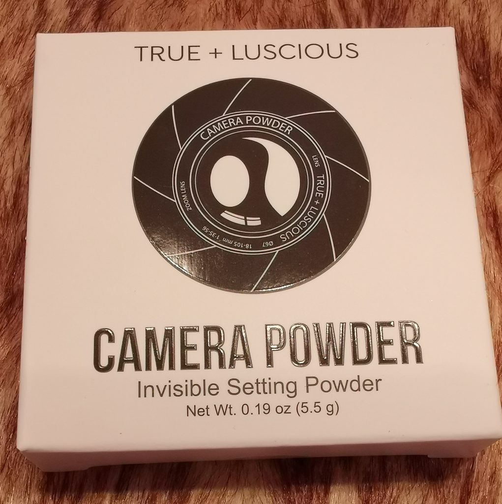 Glossybox day and night edition - True & Luscious Camera Powder Universal